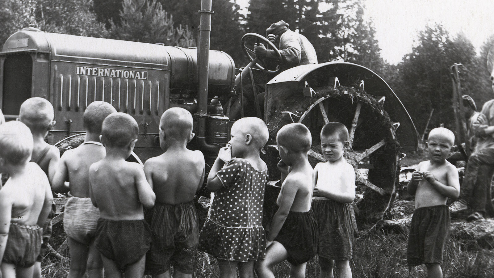 1930 Год. Пуск Сталинградского тракторного завода