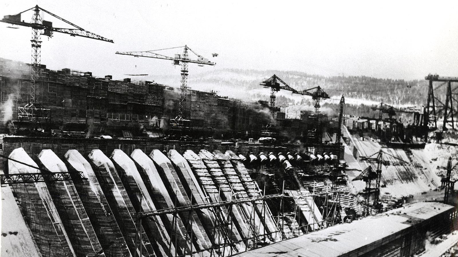 1927 Год. Строительство ДнепроГЭС