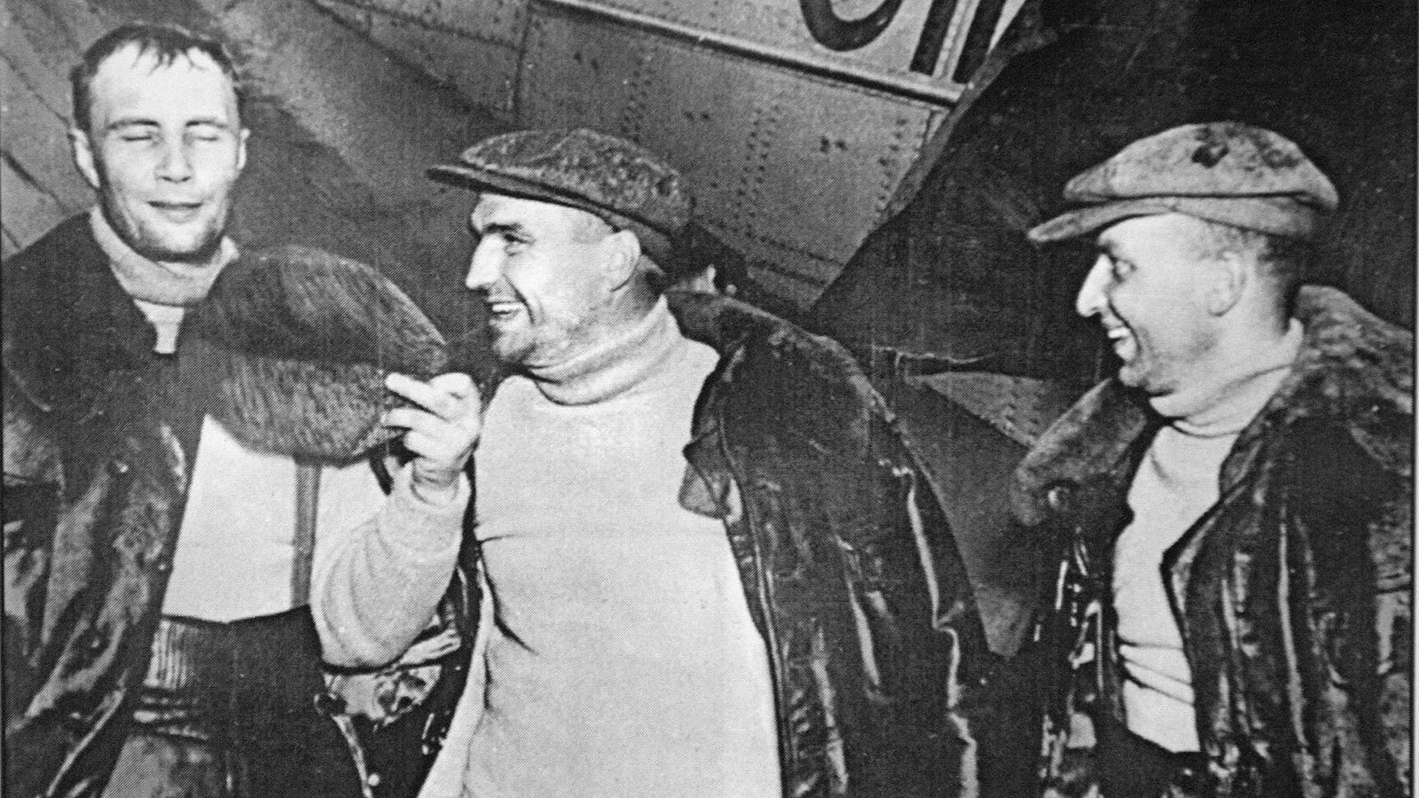 1937 Год. Г. Байдуков, В. Чкалов, А. Беляков. Прилет в Америку. Фото: архив