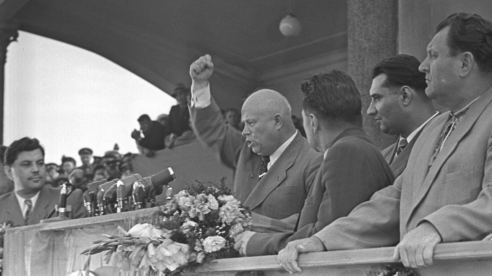 1956 год. Доклад Хрущева о культе личности