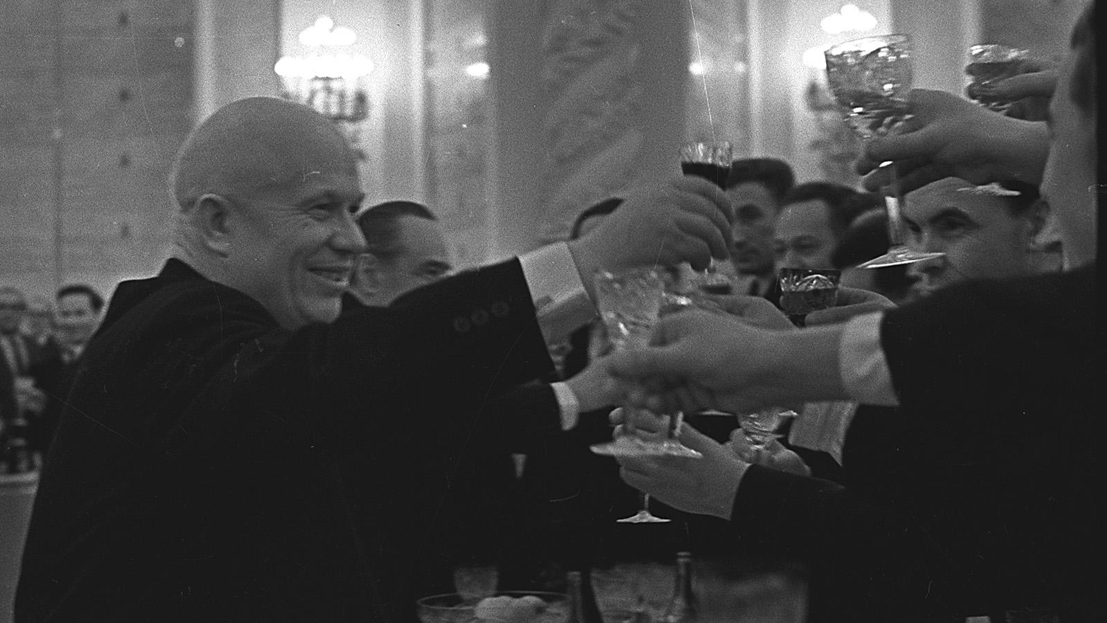 1964 год. Никита Хрущев на приеме в Кремле. Москва. Кремль.