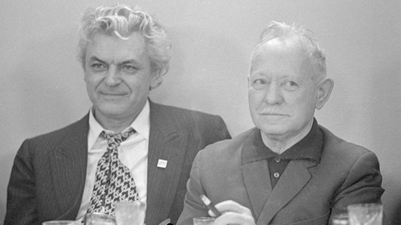 1959 год. Сергей Бондарчук (слева)