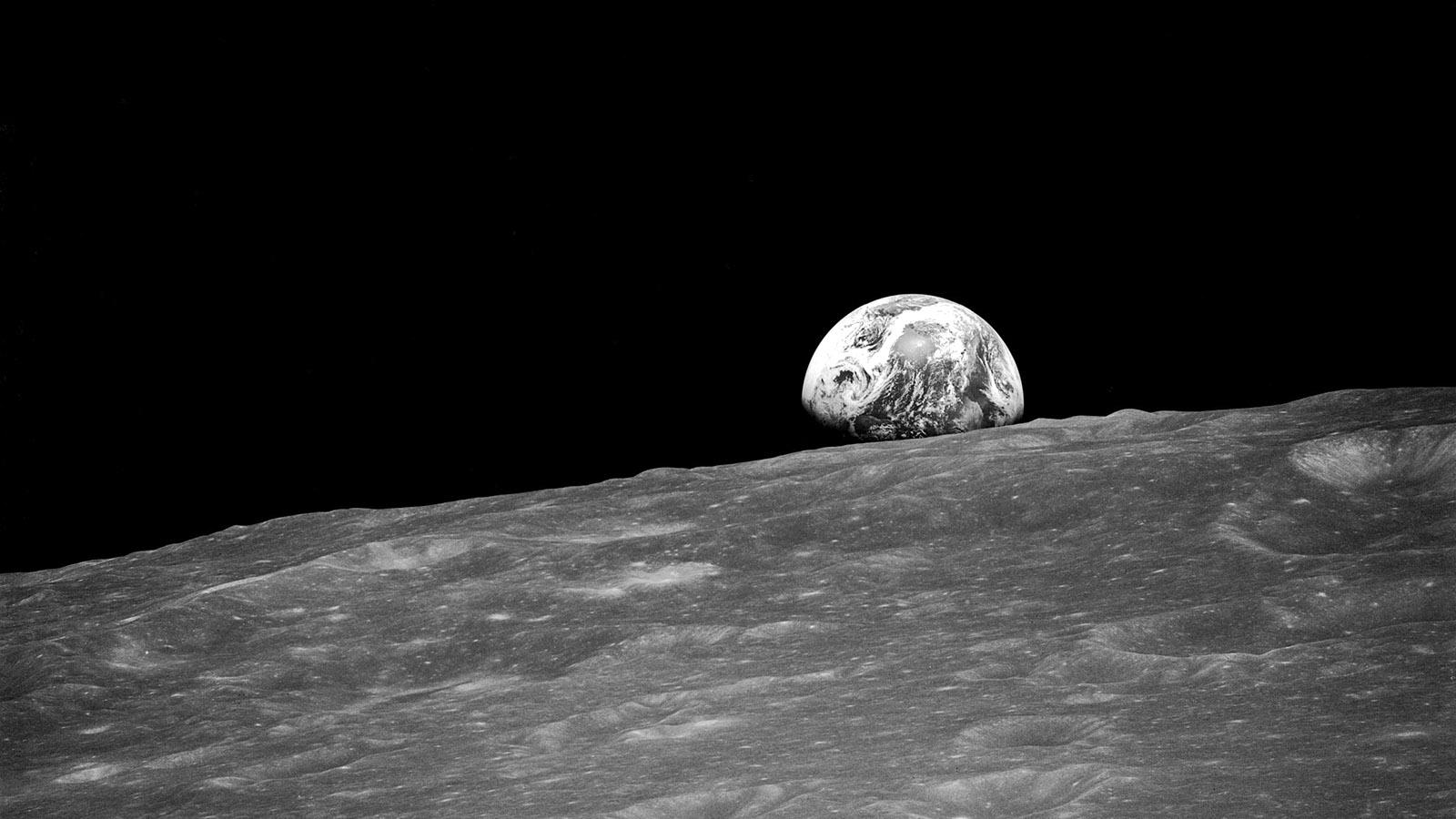 1976 год. Космическая станция «Луна-24» совершила посадку на поверхность спутника нашей планеты